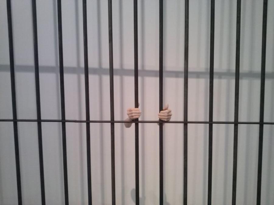 Il sesso in gabbia (carcere e istituzioni restrittive)